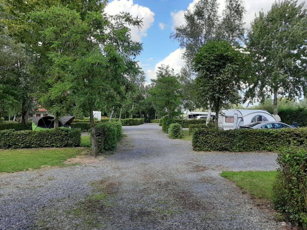 Camping La Chaumière allée emplacements